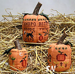 Three Pumpkins from Prairie Grove Peddler - click to see more